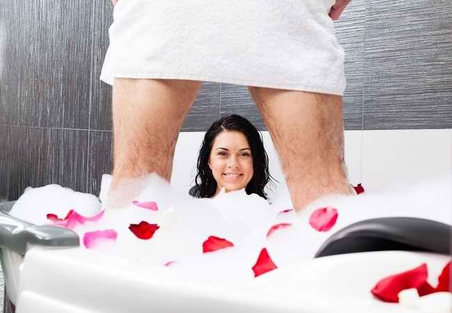 Variasi Seks di Kamar Mandi yang Patut Dicoba - Alodokter