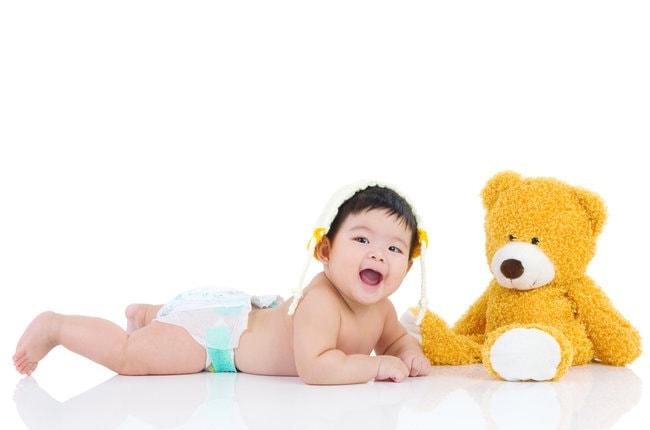Bunda, Ini Lho Penyebab Bayi Lambat Tengkurap dan Cara Melatihnya - Alodokter