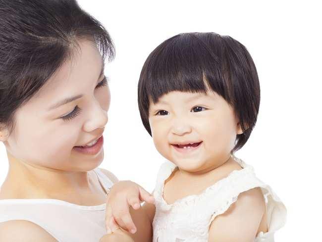 Wow, Bayi yang Dibesarkan di Lingkungan Bilingual Bisa Lebih Cerdas! - Alodokter