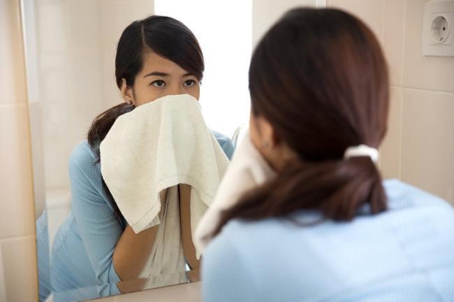 Kenapa Ibu Hamil Sering mengalami Mata Bengkak? - Alodokter