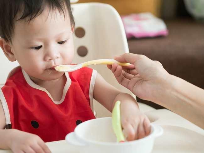 Inilah Urutan Memperkenalkan Makanan Pendamping ASI Untuk Bayi - Alodokter