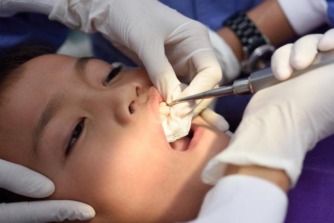 Obat Sakit Gigi untuk Anak yang Sebaiknya Orang Tua Berikan - Alodokter