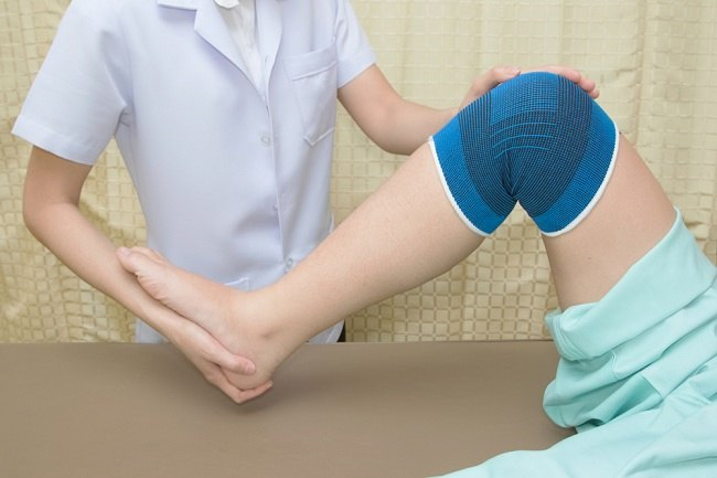 Hasil gambar untuk cedera lutut/ keseleo lutut