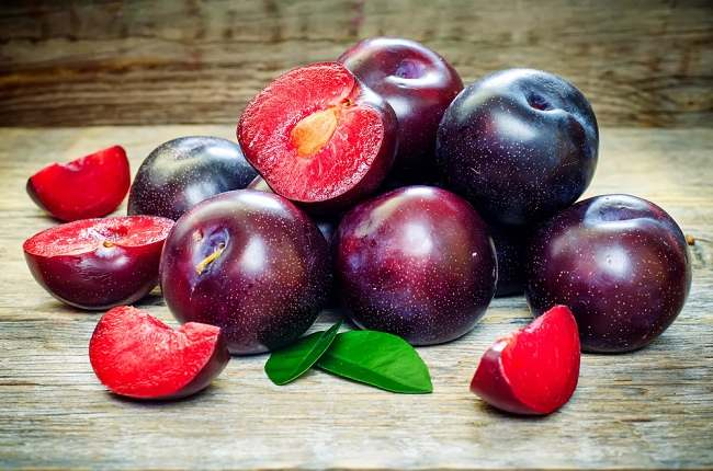 benefits of plum fruits - alodokter