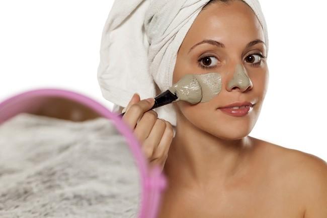 Reduce Oil on Face - alodokter