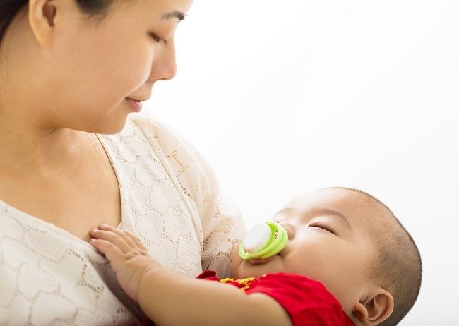 Bayi Jarang Menangis Belum Tentu Akibat Masalah Kesehatan
