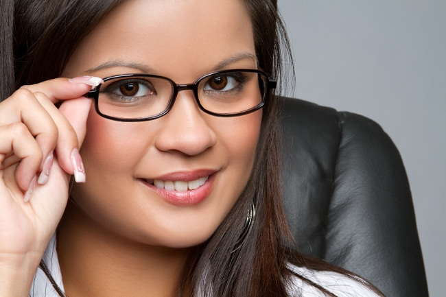 Beautiful asian businesswoman wearing glasses