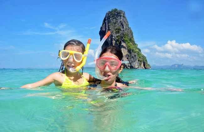 Bagi Pecinta Snorkeling Ini Pertolongan Pertama saat Tersengat Hewan - alodokter