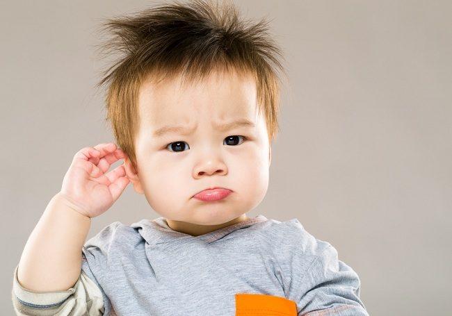 waspada telinga berair pada anak akibat infeksi - alodokter