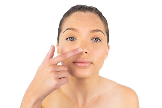 Penyebab Jerawat di Hidung Bagian Dalam dan Cara Mengatasinya - Alodokter