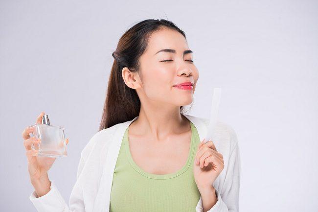 Apa Aroma Parfum yang Sesuai dengan Kepribadianmu - Alodokter