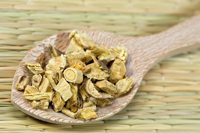 ungkap khasiat licorice, si manis yang diklaim banyak manfaatnya - alodokter