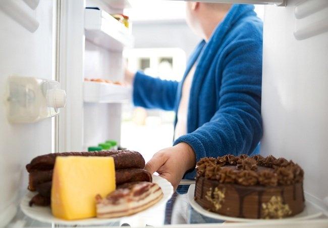 Ayo singkirkan makanan tidak sehat ini dari kulkas - alodokter