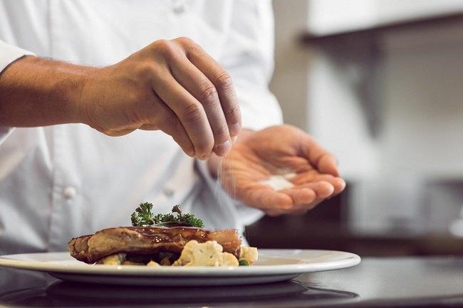 diet rendah garam untuk hindari stroke dan penyakit jantung - alodokter