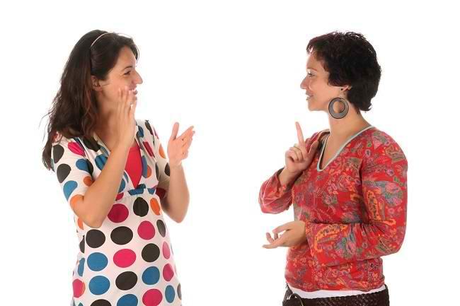Peran Bahasa Isyarat Bagi Penderita Tuna Rungu dan Anak-Anak - Alodokter