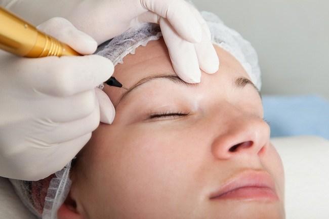 Cari Aman Sebelum Membuat Tato Kosmetik-Alodokter