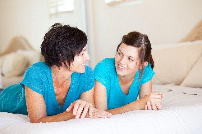 Bingung Mendiskusikan tentang Menstruasi dengan Anak-Alodokter
