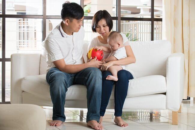Cara Mudah Stimulasi Bayi yang Perlu Dipelajari Orang Tua - Alodokter