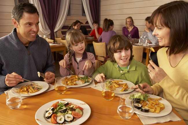 Salah Pilih Rumah Makan Bisa Berbahaya! - Alodokter
