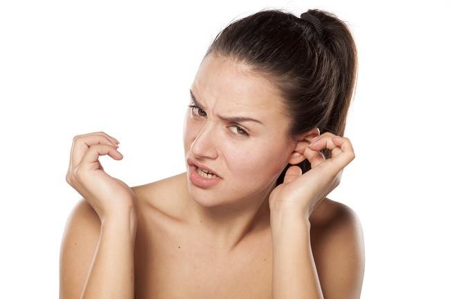 gangguan akibat kotoran telinga kering menumpuk dan cara mengatasinya - alodokter