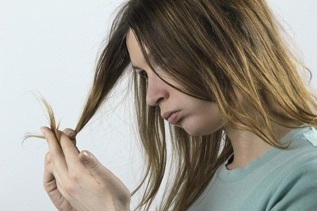 trik melakukan perawatan rambut kering - alodokter