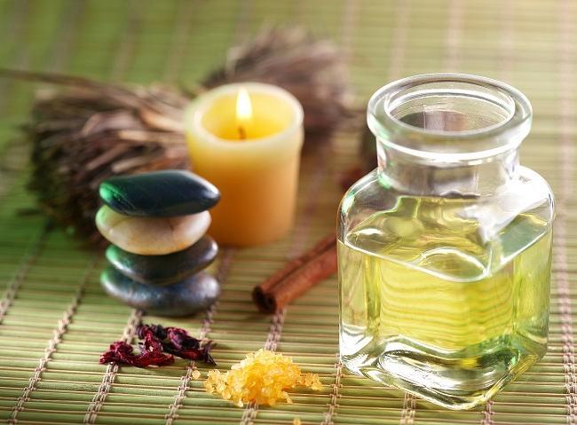 Mengenal Minyak Kayu Putih Lebih Jauh - Alodokter