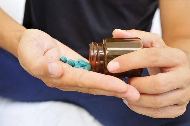 manfaat pil biru untuk mengatasi impotensi, ketahui cara kerja dan efek sampingnya - alodokter