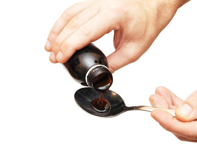 Memilih Obat Batuk untuk Ibu Menyusui yang Aman dan Alami - Alodokter