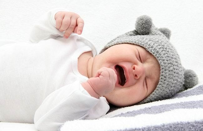 segera periksa kemungkinan hernia pada bayi - alodokter