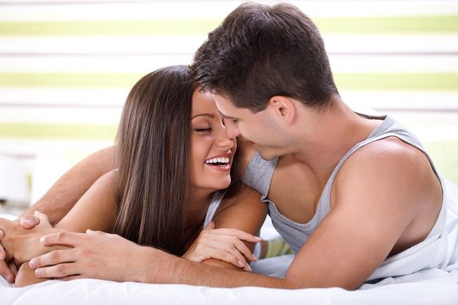 ambil manfaat ciuman bibir namun jauhi bahayanya - alodokter