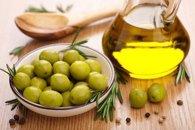 Manfaat Minyak Zaitun untuk Kesehatan - Alodokter