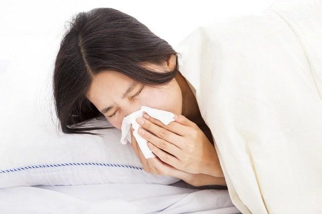 jangan langsung minum obat flu untuk ibu menyusui - alodokter