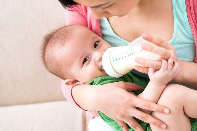 Menghadapi Bayi Cegukan - Alodokter