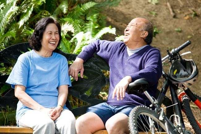 Pentingnya Asuransi Kesehatan Bagi Lansia - Alodokter