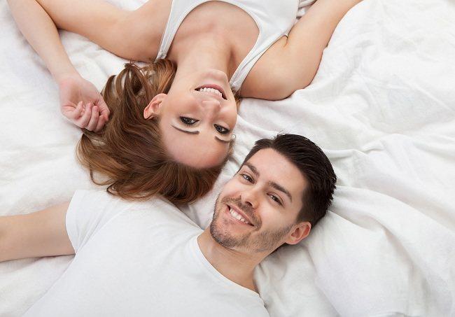 Hubungan Intim di Malam Pertama, Apa Rasanya? - Alodokter