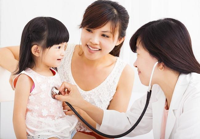 Cara Memilih Dokter Anak - Alodokter