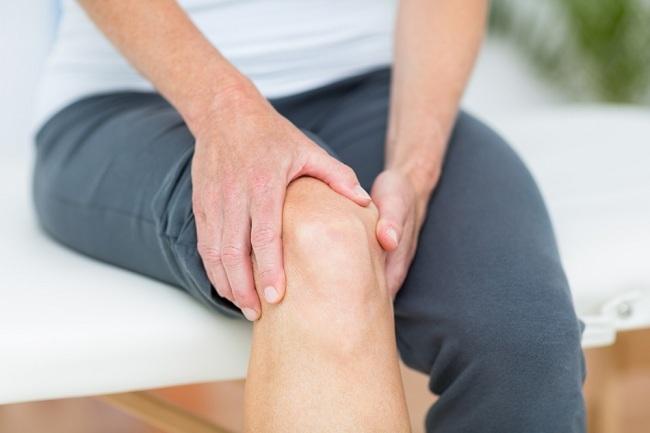 Gejala Radang Sendi Lutut yang Penting Diketahui
