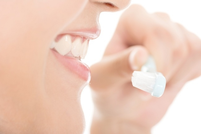Penyebab Gigi Kuning dan Cara Mencegahnya