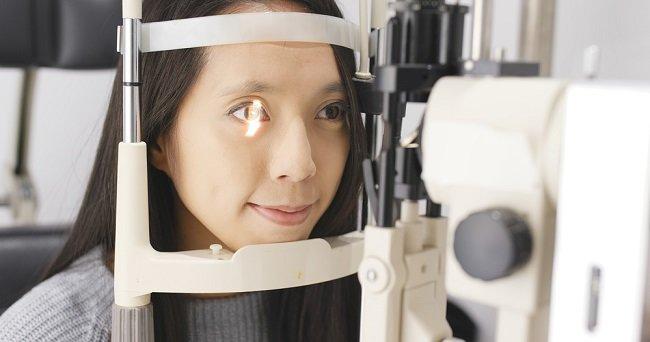 Pemeriksaan dan Konsultasi Mata, Ini yang Harus Anda Ketahui - alodokter_compress