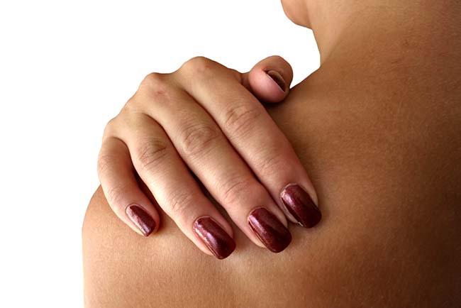 Penyebab dan Cara Mengatasi Nyeri Tulang Belikat - Alodokter