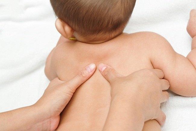 Yuk, Pelajari Cara Pijat Bayi yang Benar