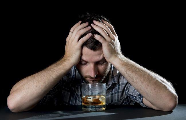 Mengatasi Kecanduan Alkohol Secara Efektif - Alodokter