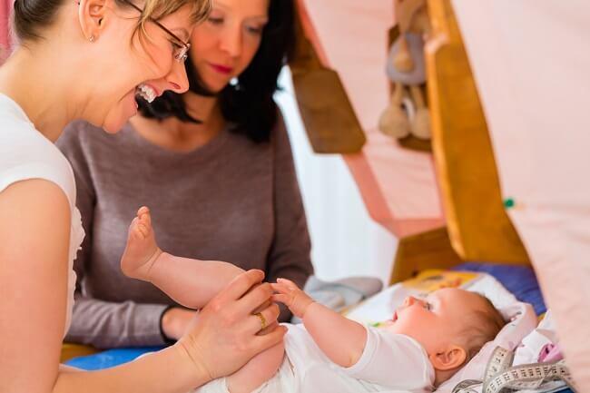 Agar Tidak Mengganggu, Baca Dulu Etika Mengunjungi Bayi Baru Lahir - Alodokter