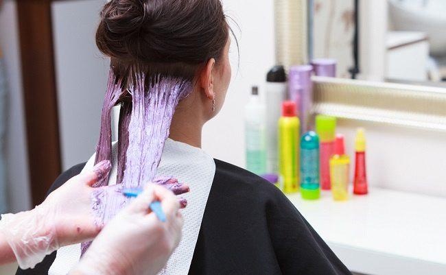 ini cara mewarnai rambut yang aman