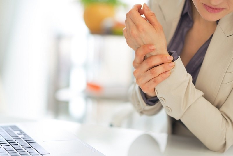 Kenali Cara Mengurangi Gejala Kerusakan Saraf Tepi - Alodokter
