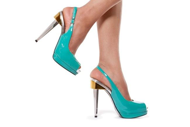 Tips Memakai Sepatu High Heels yang Nyaman