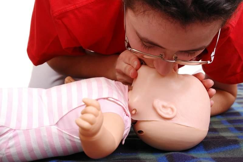 Memahami Resusitasi Bayi dan Cara Melakukannya - Alodokter