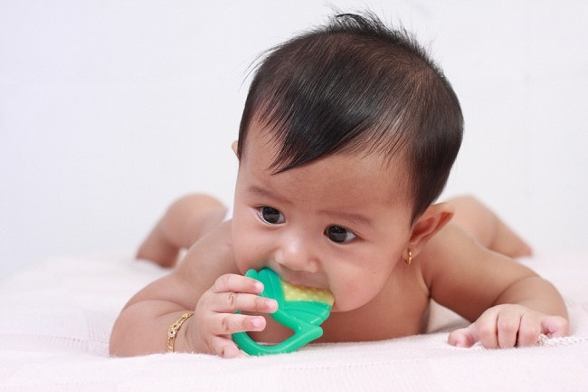Seperti Ini Ciri-ciri Bayi Tumbuh Gigi