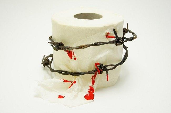 Waspadai BAB Berdarah dan Penyebabnya - Alodokter