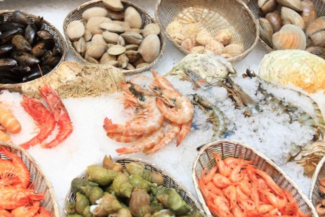 Kenali Gejala-gejala dan Makanan Pemicu Alergi Seafood - Alodokter